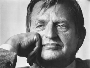 Sven Lindqvist liknar Palme vid en trött kung
